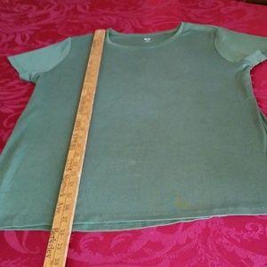 UNI QLO XL Gently Worn Short Sleeve Tee Shirt